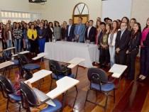 Governo empossa 39 professores: edital de 2013