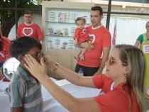 Óticas Diniz doa 8 mil óculos na '2ª edição do Diniz Social'