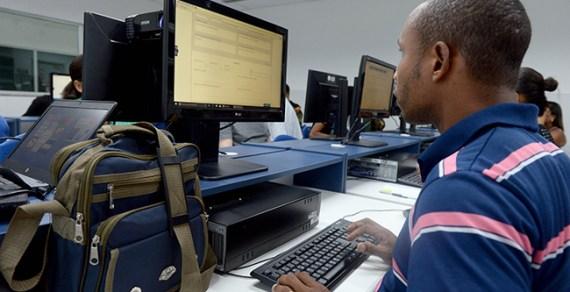 SESI oferece vagas gratuitas de ensino médioe fundamental a distância