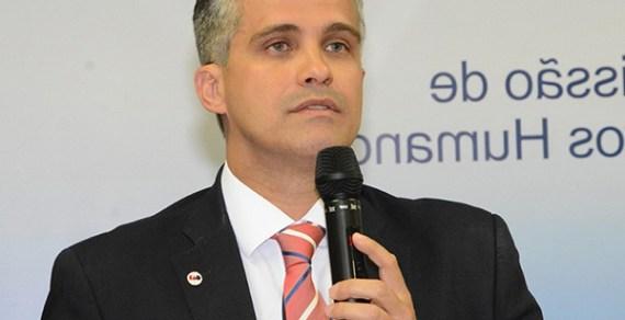 """""""Advogado não deve ser atendido no TJ-BA por menor aprendiz"""", protesta conselheiro da OAB"""