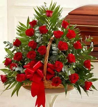 25 red roses basket Dubai as small gesture of love