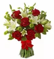 Red roses and lilies bouquet of flowers Dubai