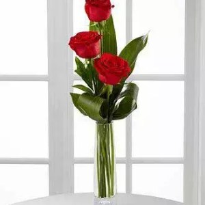 3 red roses delivery Dubai by D.F.D Express