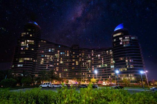 Al-Futtaim Group Real Estate's flagship destination Dubai Festival City Honors Front Liners in #LightItBlue campaign، Dubai Festival City Mall، Intercontinental Hotel، Crowne Plaza Hotel، Holiday Inn ، Marsa Plaza،