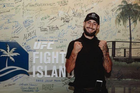 ALDANA AND HOLM ARRIVE AT UFC FIGHT ISLAND