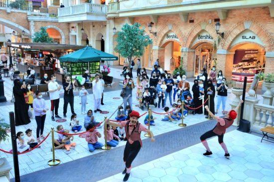 Mercato's International Street Shows Enthral Media