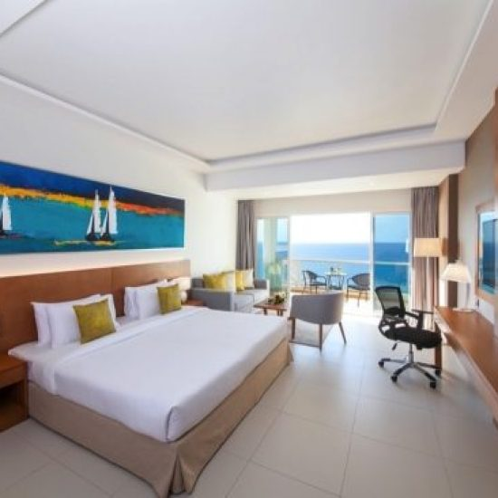 فندق رمادا شاطئ عجمان يكشف النقاب عن عروض الغرف والإفطار