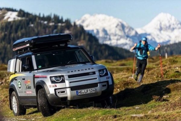 LAND ROVER DEFENDER SUPPORTS THE WORLD'S