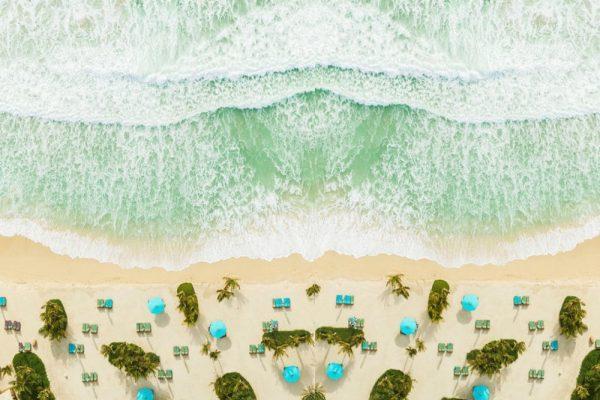 جميرا النسيم يعيد افتتاح شاطئه الساحر لتجربة إقامة مثالية