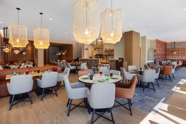 افتتاح مطعم وورلد اوف كاري في أبارت هوتيل أداجيو دبي ديرة