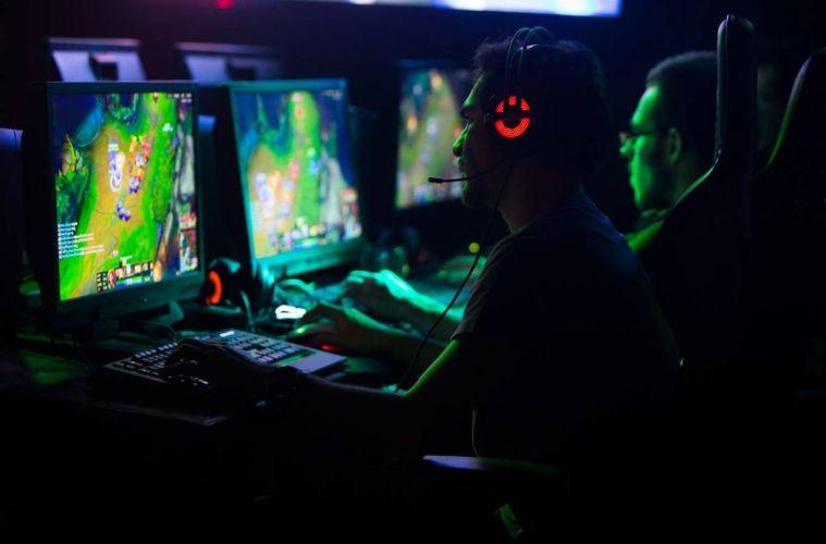 University of Wollongong Dubai Gaming degree Program course
