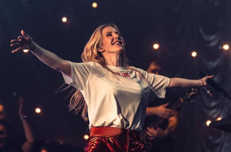 Ellie Goulding Coca-Cola Arena Dubai Concer Gig Maroon 5 Boyz ll Men Louis Tomilson