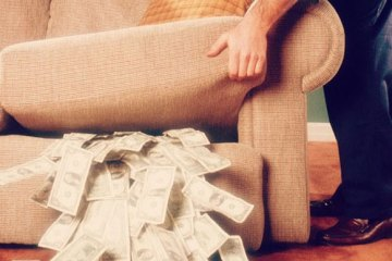 Man finds huge amount of money in his sofa