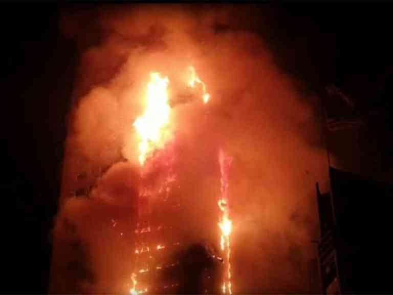 Massive fire breaks out in Sharjah