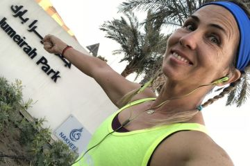 Marathon runner takes to the streets of Dubai