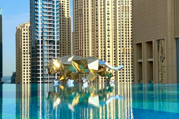 Huge gold gorilla and tiger seen flying through Dubai