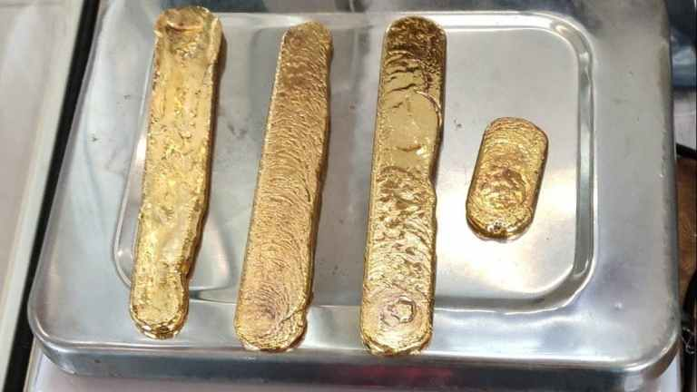Dubai passenger found with nearly 1kg of gold smuggled in his, erm, bum