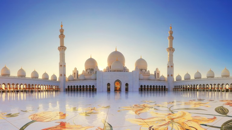Mosques in Dubai set to re-open for Friday prayers