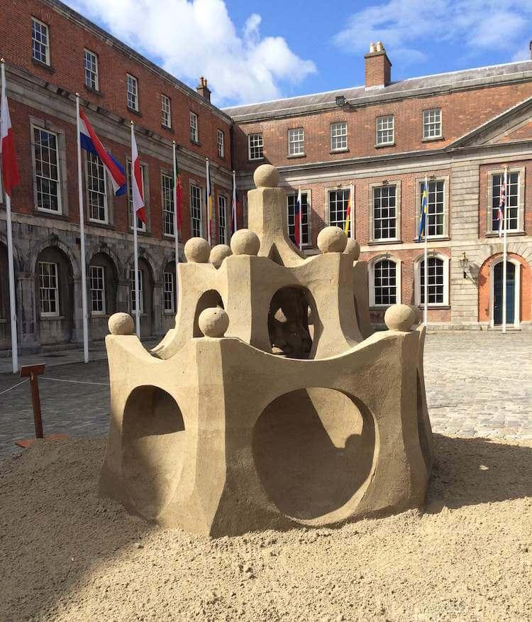 sand sculpture dublin castle