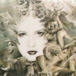 Fantazie s delfíny, 2005, tužka, pastel na papíře,30x40cm, soukromá sbírka
