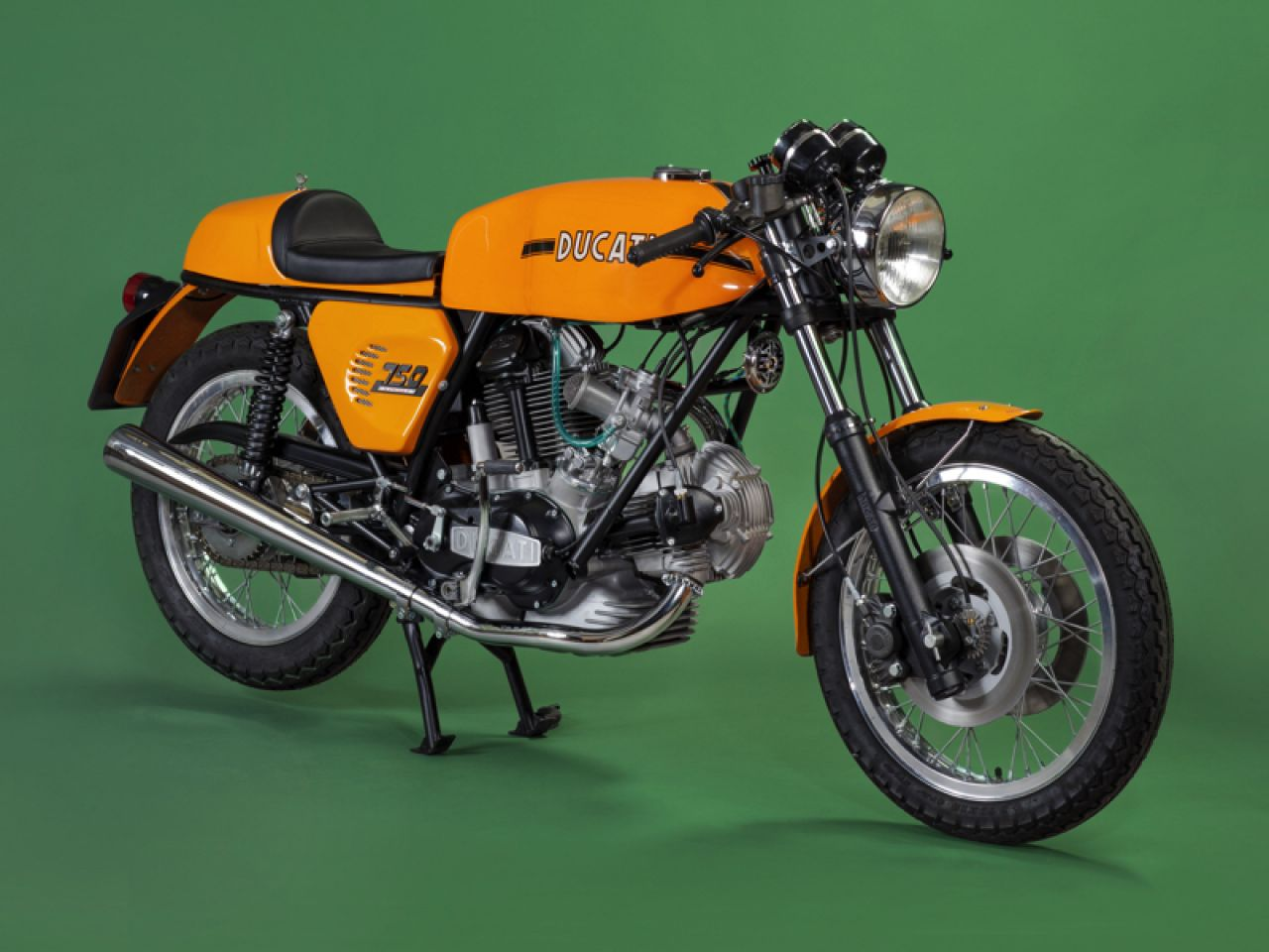 hight resolution of in the early seventies fabio taglioni was at the edge of technical possibilities with the single cylinder engine ducati was in desperate need for
