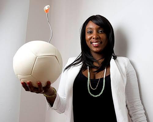 Jessica O. Matthews holding invention SOCCKET.