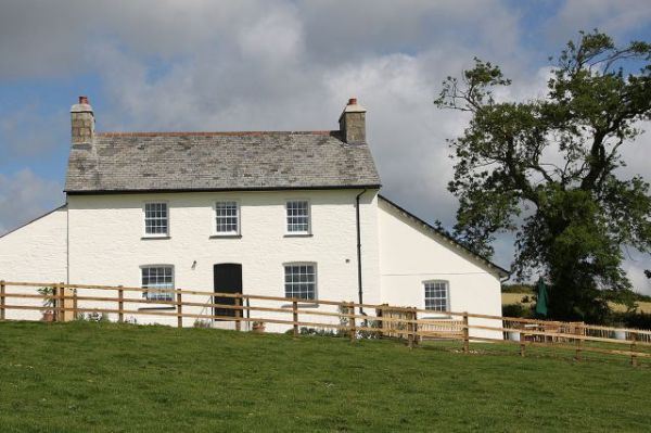 Holiday cottages in Cornwall Wales and the Isles of