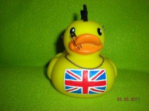 british_punk_duck_by_oriana_x_myst-d3d7weh