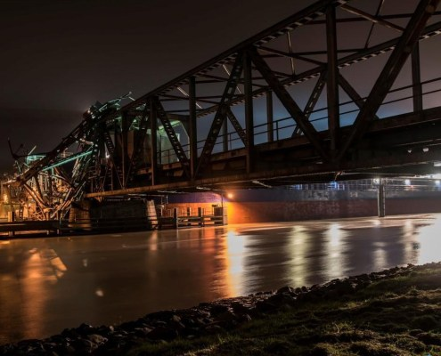duc-marine-group-damaged-wreck-bridge