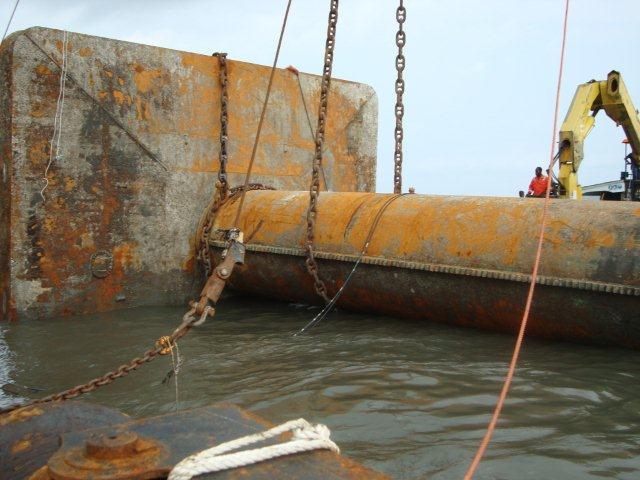 duc-marine-group-wreckremoval-niger-1
