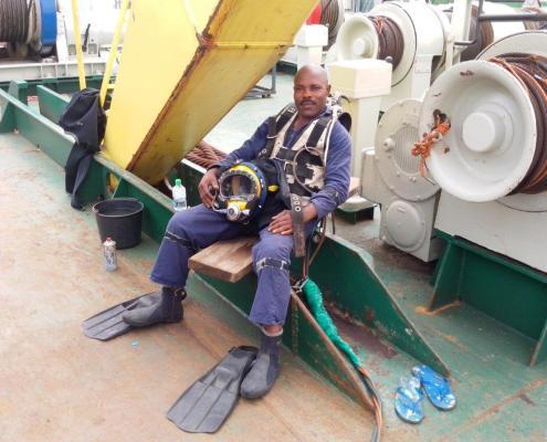 duc-marine-group-wreckremoval-niger-3