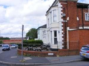 Dudley Ex-Servicemen's Club. Photo © Gordon Griffiths (cc-by-sa/2.0).