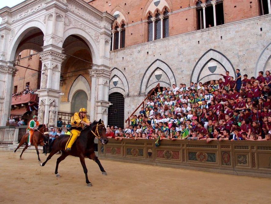 Palio w Sienie - wyścigi konne