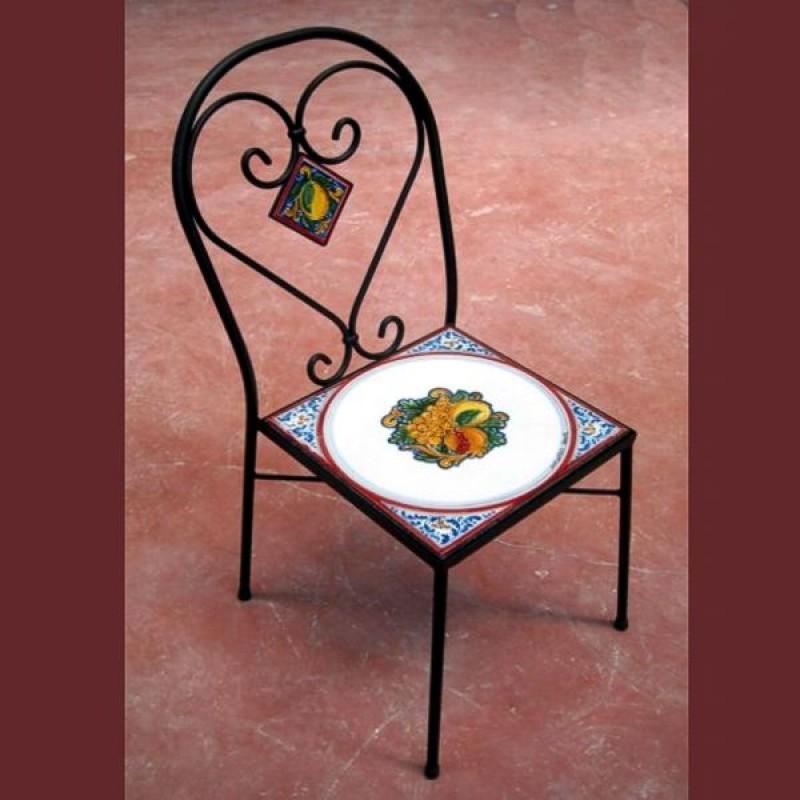 Sedia in ferro battuto con seduta in pietra lavica