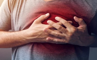 First Aid: Could You Spot The Signs Of A Heart Attack?