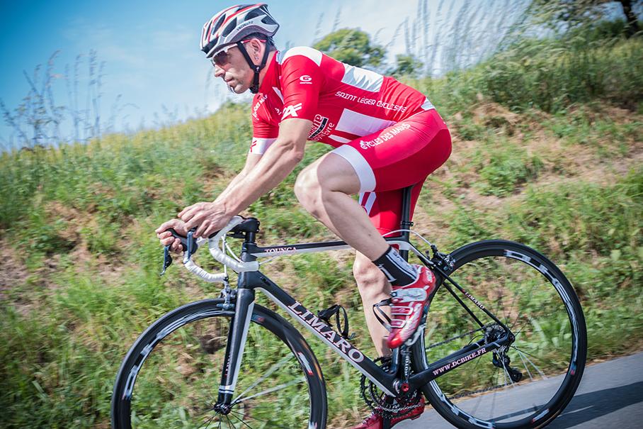 David roule sur des vélos Limaro