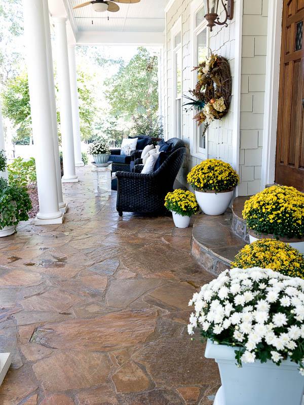 fall-porch-dukemanorfarm