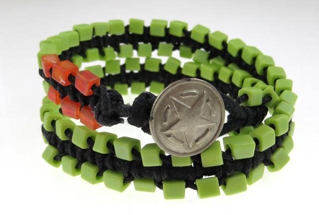 Macrame-zipper-bracelet