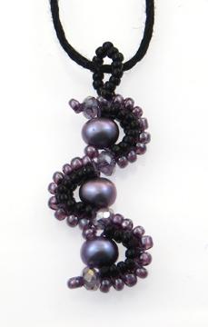 pearl-herringbone-pendant
