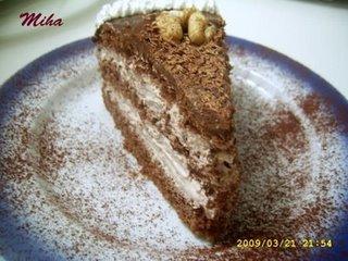 Tort cu nuca si mousse de ciocolata