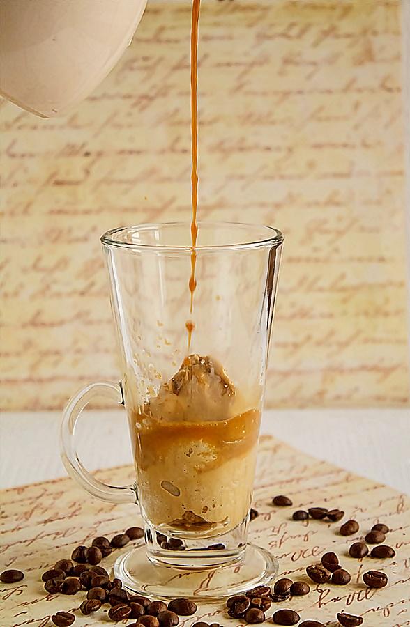 Cafea cu inghetata de cafea