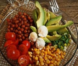 Salata cu naut crocant