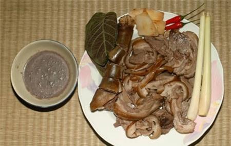 Khách Tây sợ phát khiếp 5 món ăn Việt Nam