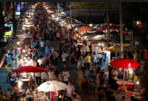 Lạc vào khu chợ trời lớn nhất thế giới ở Thái Lan