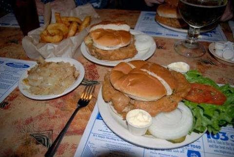 8 món ăn đáng sợ nhất thế giới