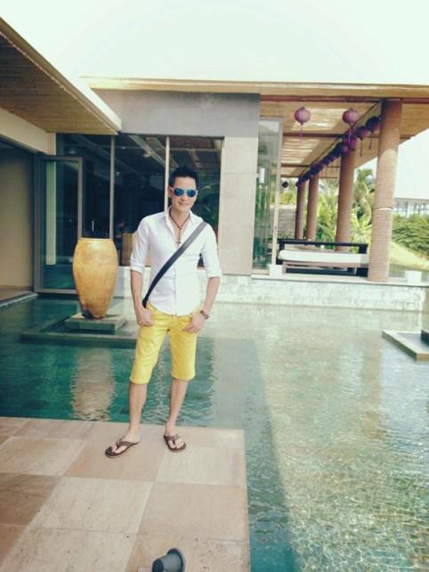 Kỳ Duyên tung tăng dạo biển Nha Trang cùng bạn trai