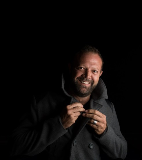 Man Model Portrait Black Coat Pose  - BenGreeff / Pixabay