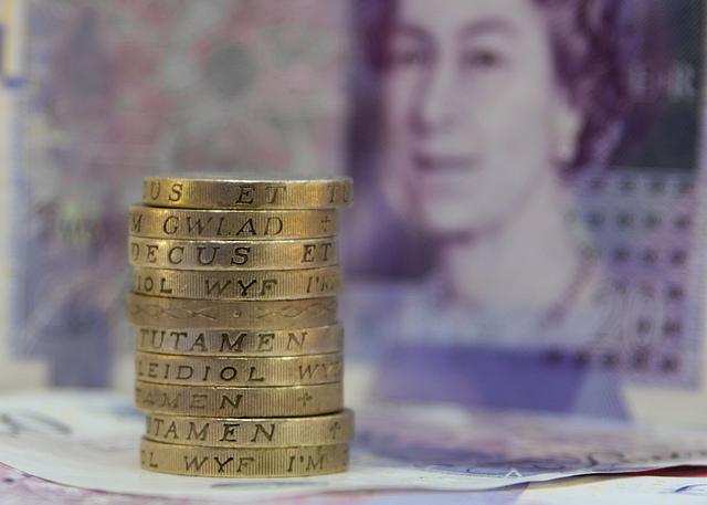 Pound coins - Photo by @Doug88888
