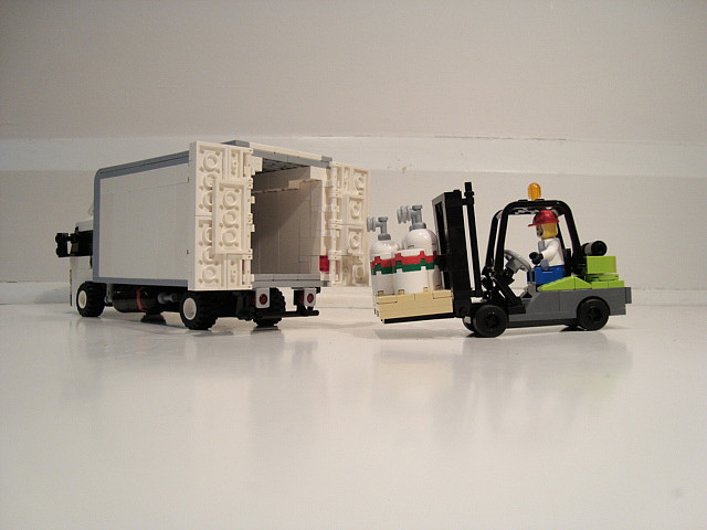 Does Your Business Conform To The Requisite Safety Standards? Understanding LOLER - Lego Forklift & Truck