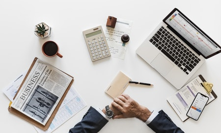 Four Ways To Manage Your Cash Flow